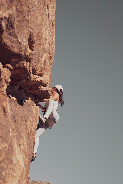 02rockclimbing-ropeclimbing-bouldering-joshuatree-fitness