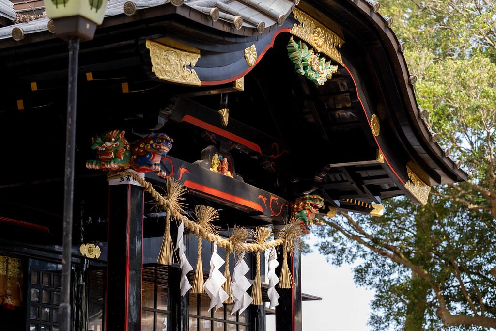 玉前神社 黒漆の社殿