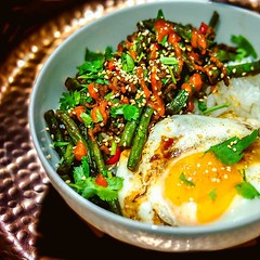 #Homemade #laab with added green beans and a side of #friedegg , served on steamed rice. My kind of simple weekday meal. . . #homecooking #recipes #thaifood #foodofinstagram #igfood #foodgram  #buzzfeast  #feedfeed #forkyeah #EEEEEATS #dailyfoodfeed #food
