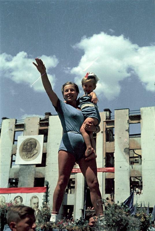 1945. Первый послевоенный спортивный парад в Сталинграде