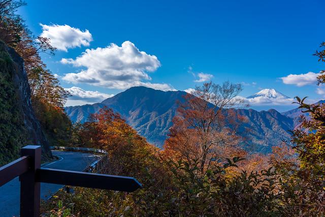 林道菅野盛里線を歩いて戻ります