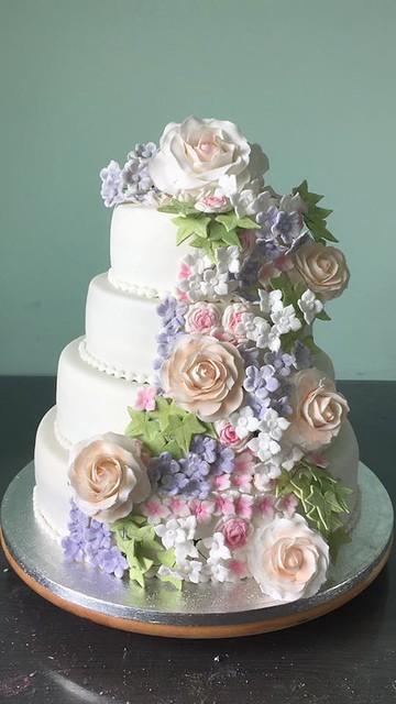 Wedding Cake by Kelly Scholten