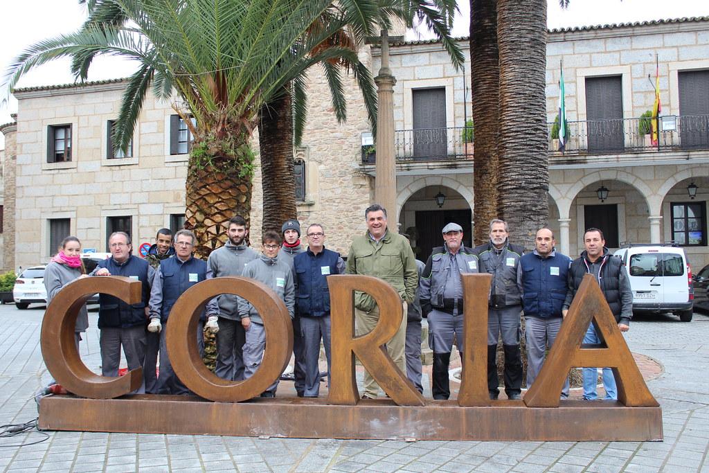 Coria ya cuenta con sus letras turísticas con el nombre de la Ciudad ubicadas en la plaza de San Pedro