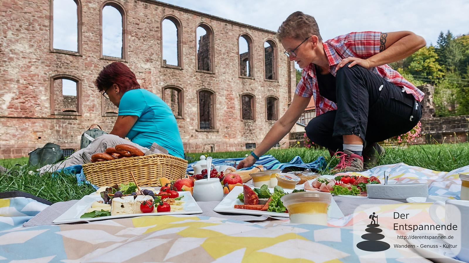 Picknick im Konvent der Klosterruine Frauenalb