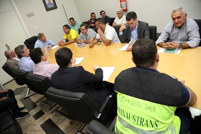 21.12.2018 Prefeitura de Manaus e TRT mediam o final da paralização dos rodoviários