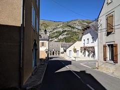 539 - Day 25, Walking thru Campan on the D935 to Bagneres de Bigorre  092318