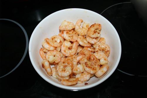 16 - Shrimps entnehmen & bei Seite stellen / Remove shrimps & put aside