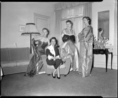 03-07-1952_10327C Prinses Sumair