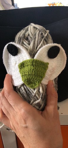 Crafting, Knitmas, upcycling, and knitwear in November and December 2018. Details on my blog EvinOK.com
