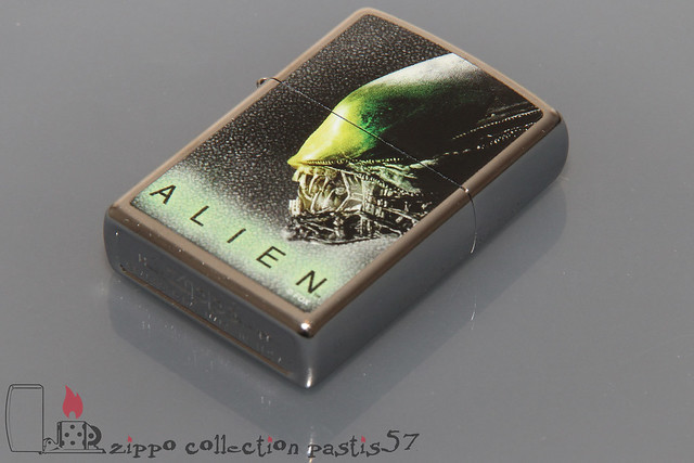 2017-08 H-17 Zippo Alien Collection by Bradford Exchange 03