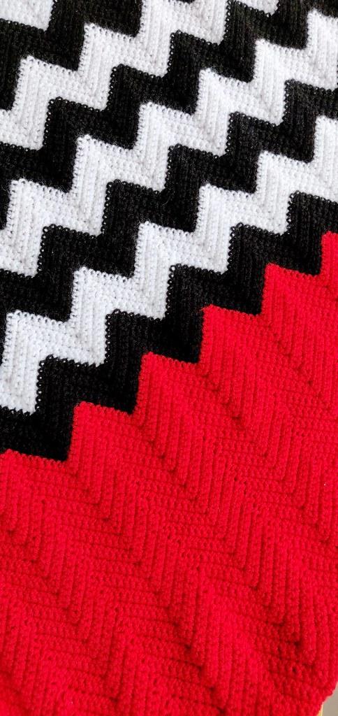 Twin Peaks Zig Zag Crochet Blanket Httpwwwpaisleyjade Flickr