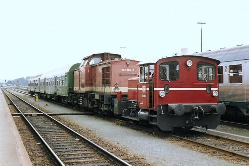DB: 202 866-0 und 333 055-2 in Hof Hbf