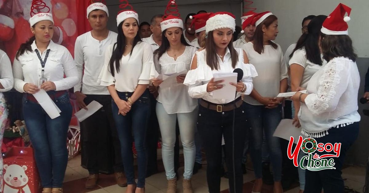 Familia municipal celebra la tradicional novena navideña