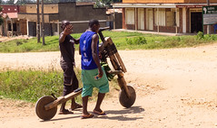 2018 uganda,between Bwindi and Queen elisabeth NP.Transport