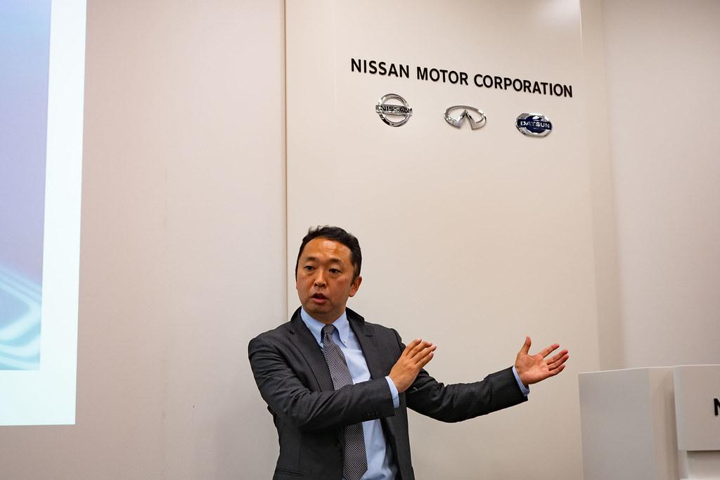 Nissan_e-sharemobi-3