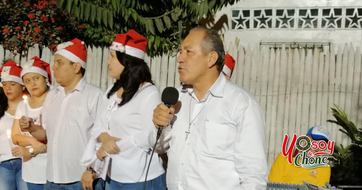 Alcaldía de Chone cumple con novena navideña