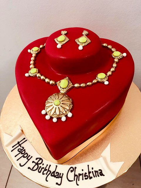 Cake by Heavenly Cakes
