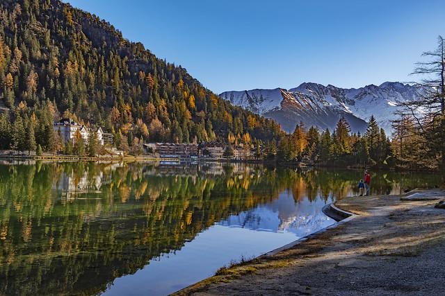 Champex Lac et Le Grand Combin . Canton of Valais , Switzerland. .Izakigur 14.11.18, 11:10:18.