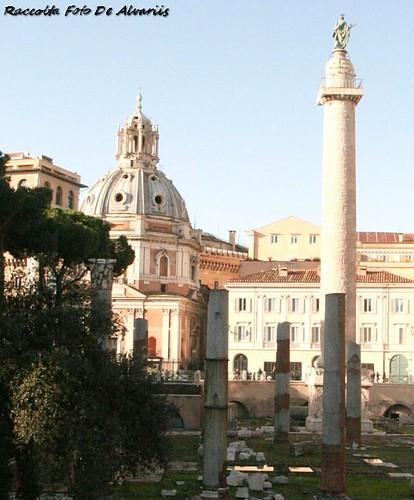 1930 2010 Colonna Traiana e Basilica Ulpia b,