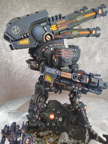 KX139 Taunar Supremacy Armour with Battlesuit Commander00028