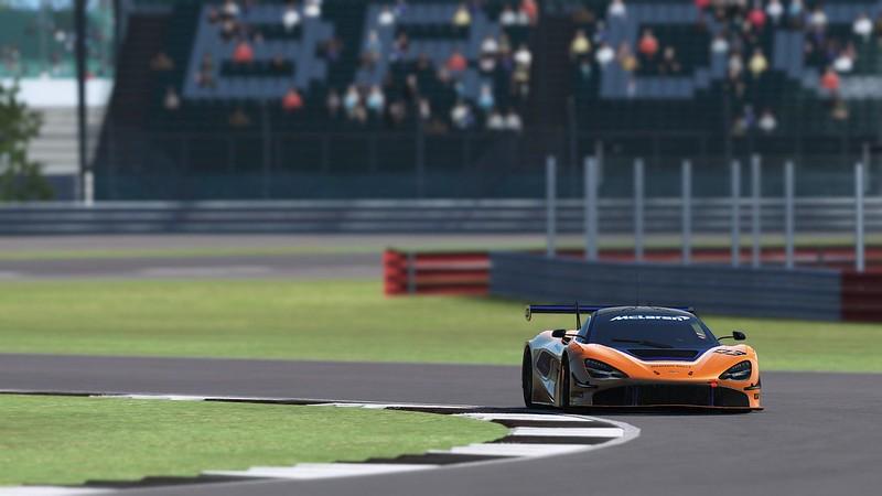 rF2 McLaren 720s GT3
