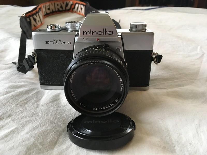 Minolta SRT200