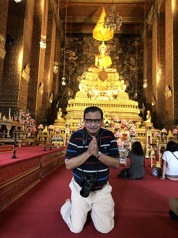 I was assured that a few seconds of having my back towards the Buddha were Ok