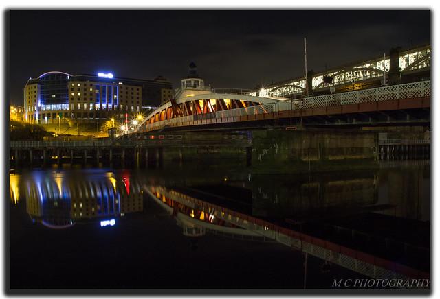 Swing Bridge Reflections, Canon EOS 1200D, Canon EF-S 17-55mm f/2.8 IS USM