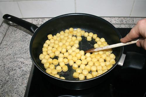 12 - Gnocchi anbraten / Fry gnocchi