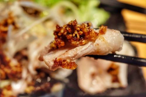 サクサク醤油で食べる豚カルビ 日本酒原価酒蔵 秋葉原店 28