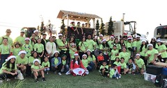 Hawaiian Electric at the West Oahu Electric Light Parade – Dec. 8, 2018 : A group photo in front of the float.