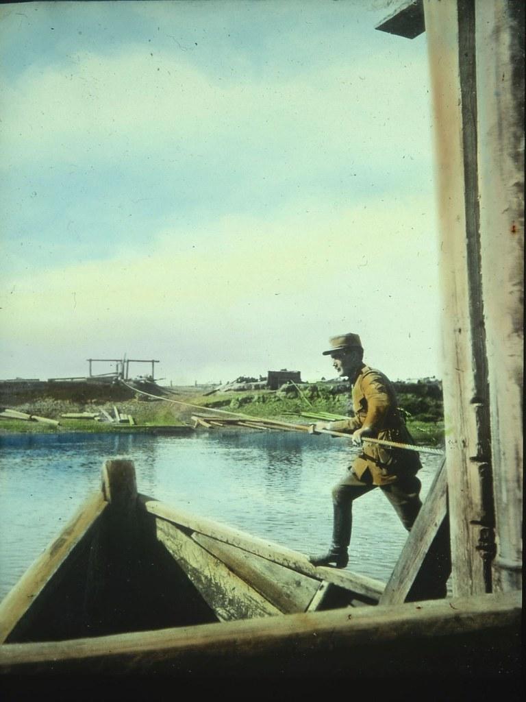 Канатный паром через реку Лену