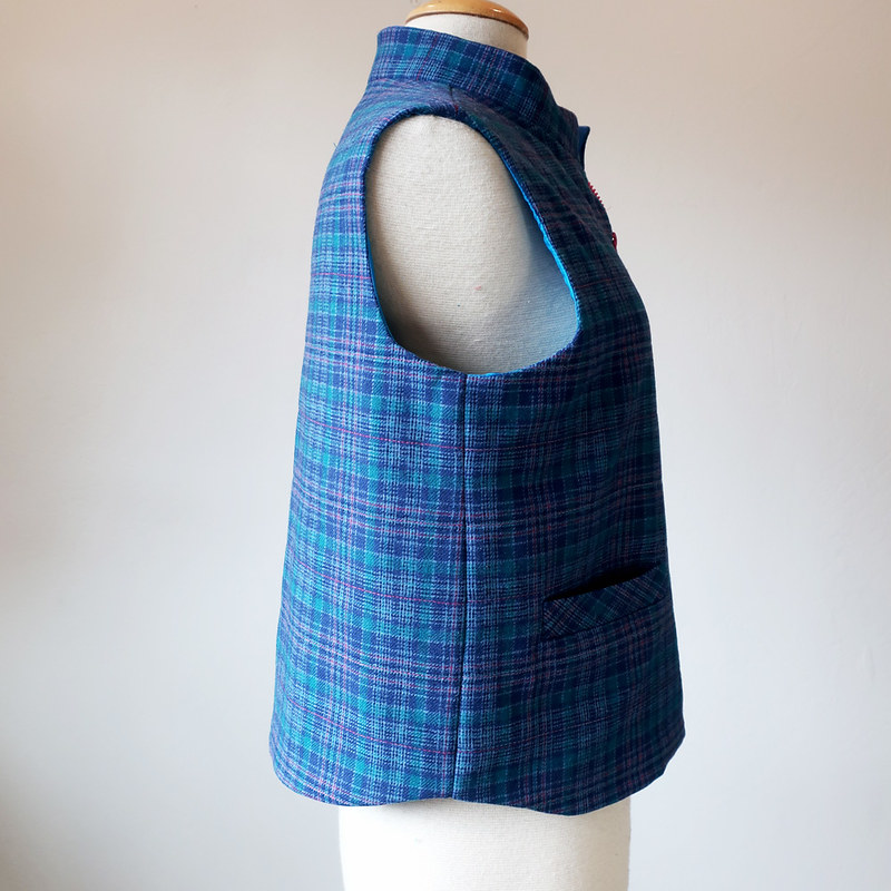 vest on form side view