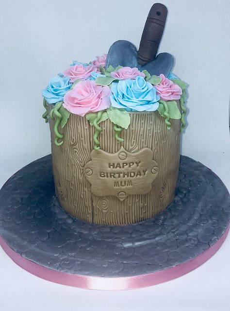 Cake by Jo's Creative Cakes