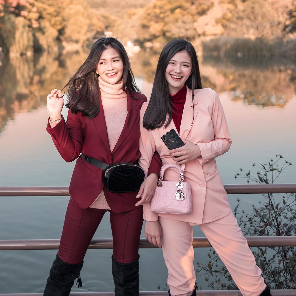 Sister-bloggers Vern and Verniece Share their Love of Pink