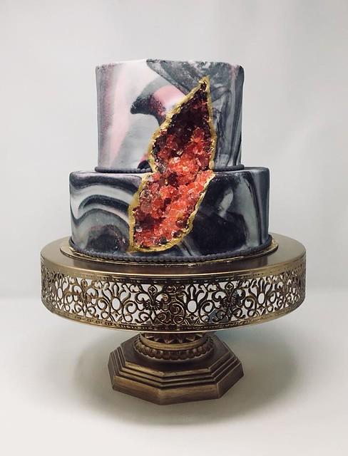 Cake by Sash Delicacies