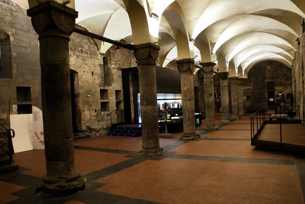 A l'intérieur de la Commenda di San Giovanni di Pré à Gènes.