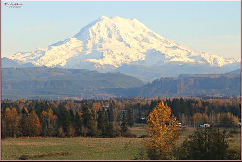 Mt Rainier in autumn....