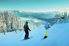 Lyžařská zábava v Krkonoších - celosezónní skipas Snowhill