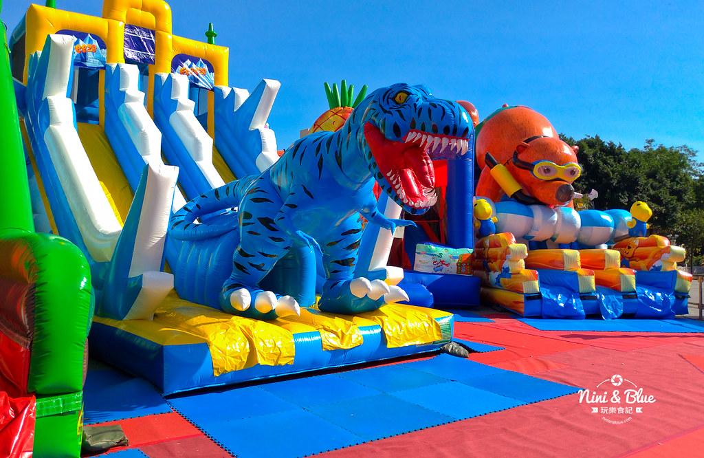45330409785 9470a723f9 b - 勤美誠品6座中大型恐龍主題氣墊,小孩放電專區