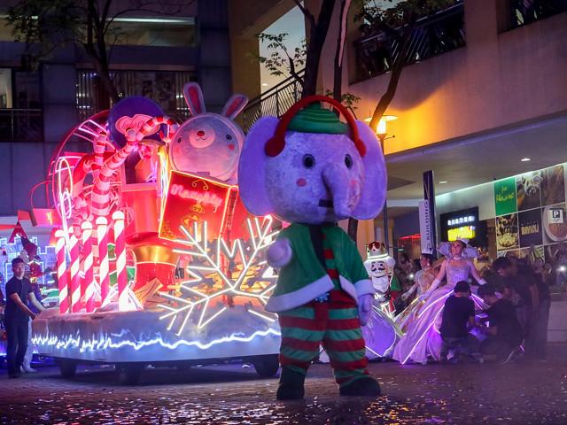 SM MOA Festival Of Lights (13 of 19)