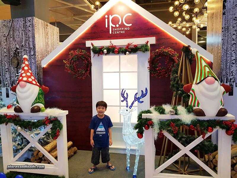 ipc christmas house