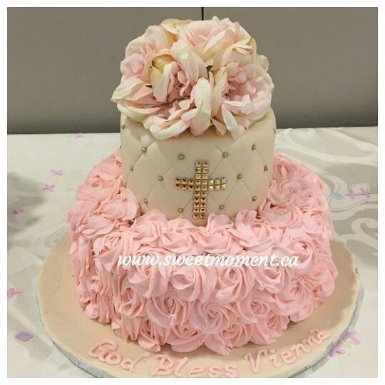 Cake by Sweet Moments