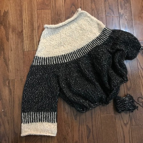 Another earlier progress shot of my Cedar Point pullover by Espace Tricot