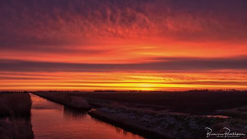 Red sky in morning, sailor's warning.