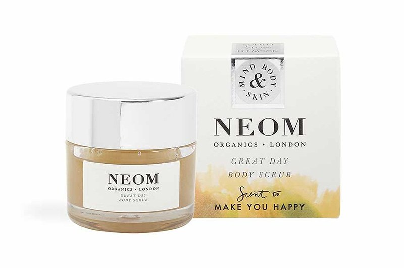 Lookfantastic x NEOM Organics Limited Edition Beauty Box - наполнение great-day-body_scrub-50g-and-box