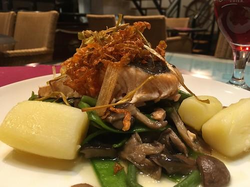 Salmón con miel y verduras