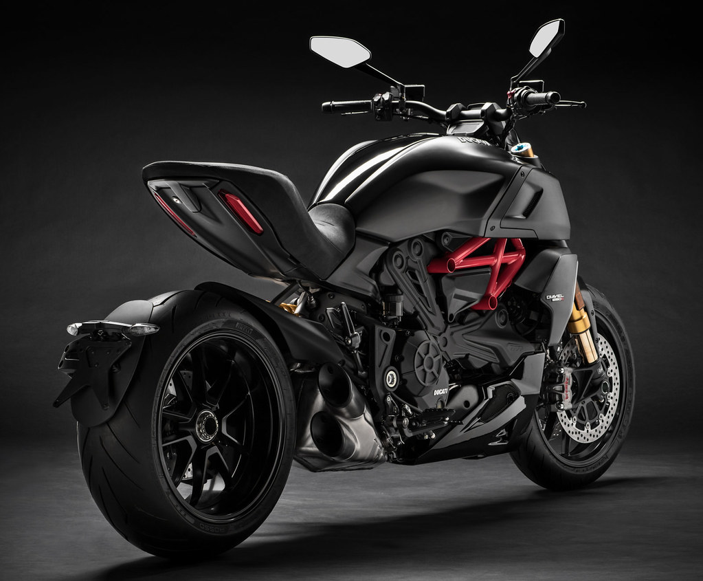 Ducati DIAVEL 1260 S 2019 - 13