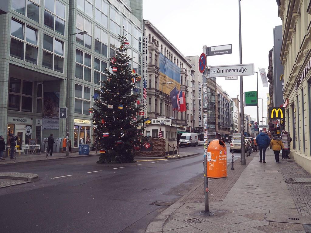 checkpoint charlie berliini saksa