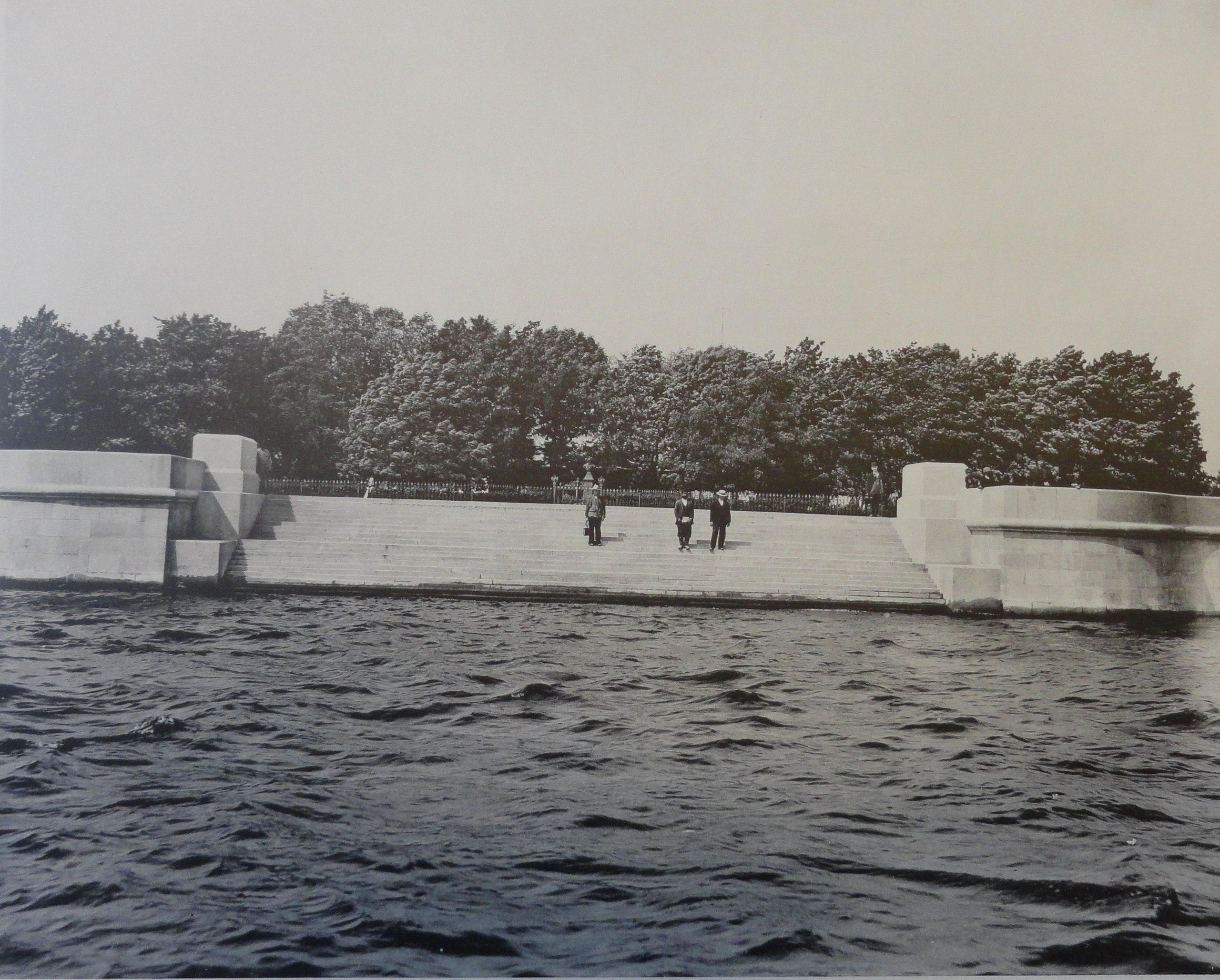 1903. Лестница против часовни Спасителя. Май